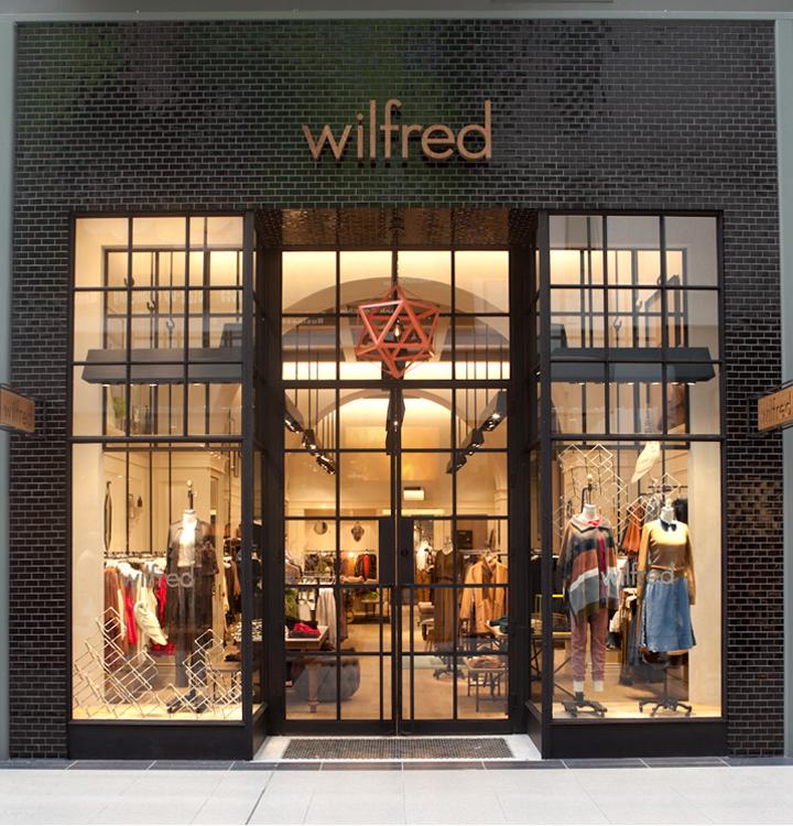 Retail Store Front: Toronto Eaton Centre